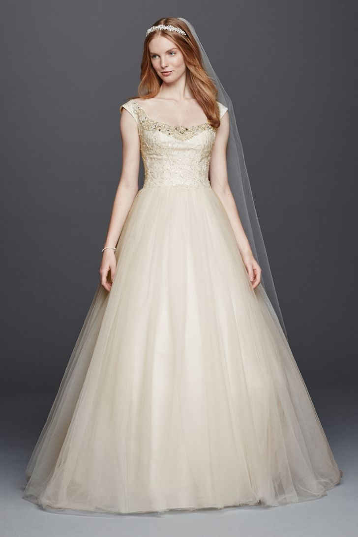 20 Trendiest Wedding Dresses Under 1000