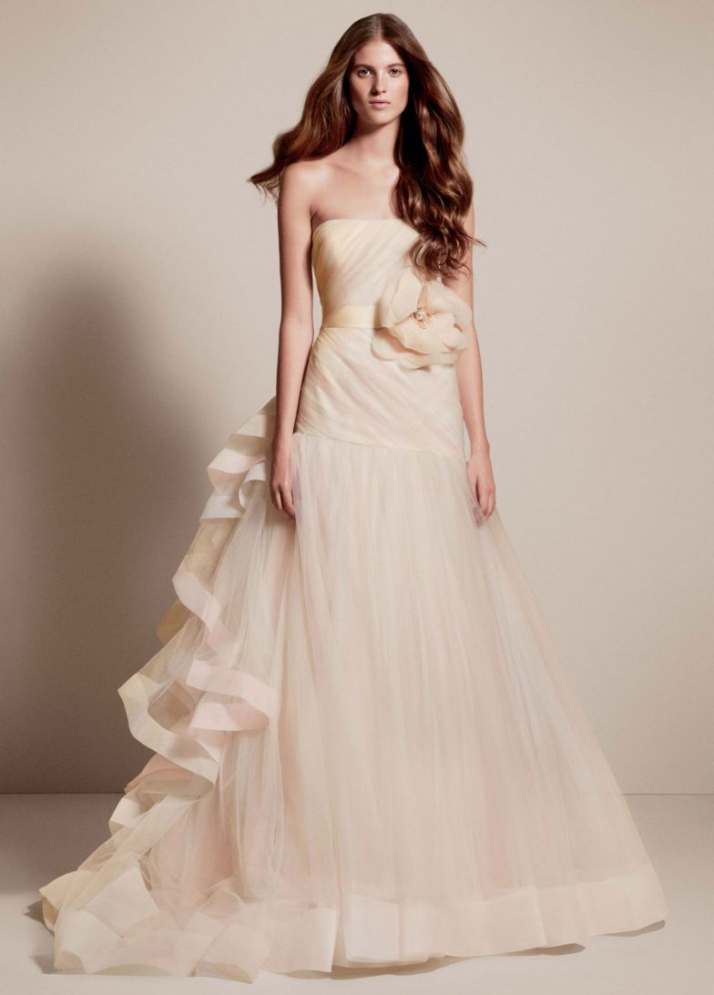 20 trendiest wedding dresses under 1 000 everafterguide for Best wedding dresses under 1000