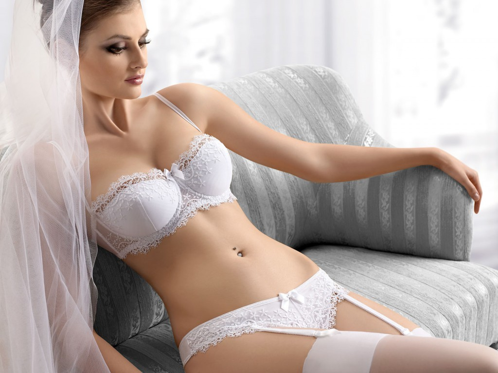 A list of things you need for a wedding everafterguide for Best undergarments for wedding dress