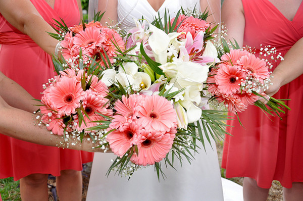 gerbera daisy bouquets for weddings 18 nature s finest november wedding flowers everafterguide 4471
