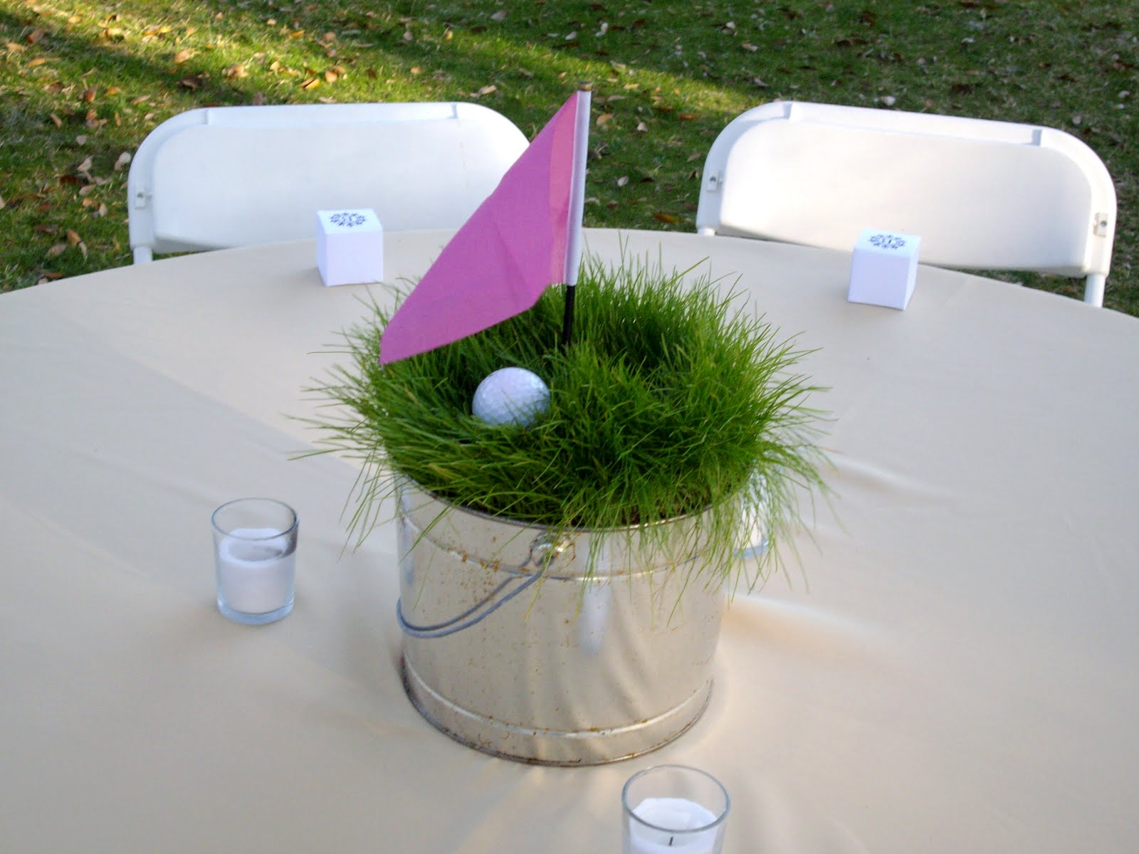 15 wonderful rehearsal dinner theme ideas everafterguide for Golf centerpiece ideas
