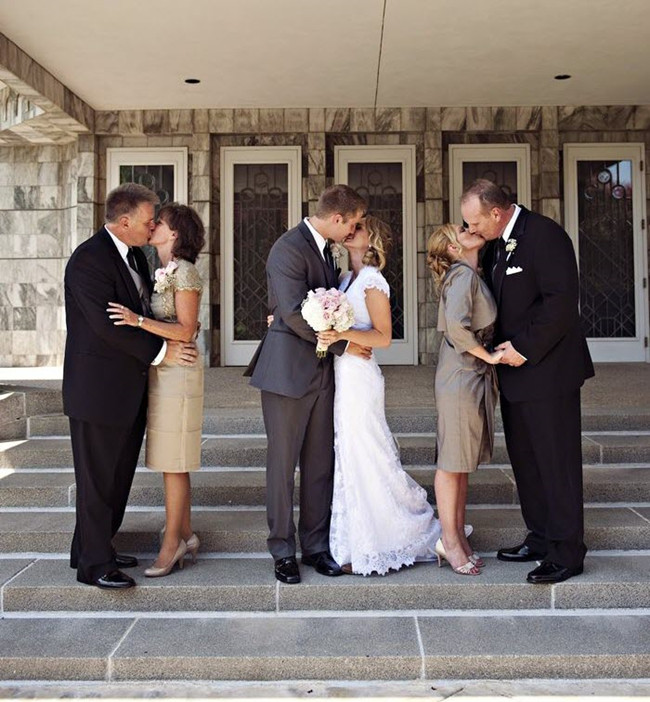 14 Ways To Say Thank You To Parents On Wedding Day