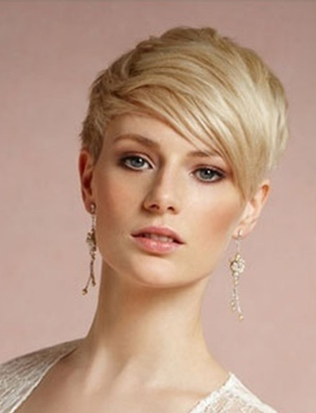 Chic And Romantic 20 Best Wedding Hairstyles For Short Hair EverAfterGuide