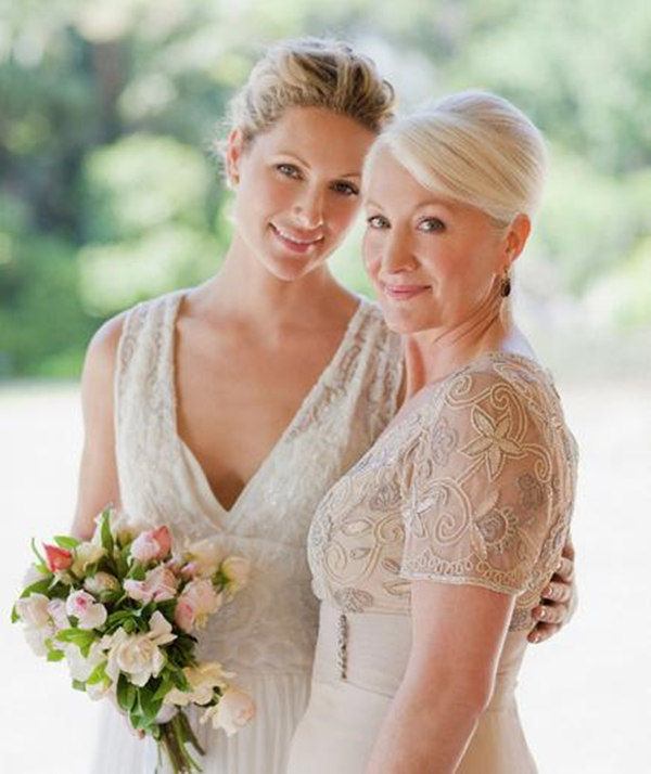 Wedding Attire Etiquette: What Should Mother Of The Bride