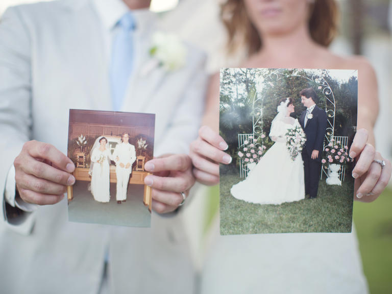 Wedding Gift Ideas From Grooms Parents : Groom and Bride Message to Their Parents - EverAfterGuide