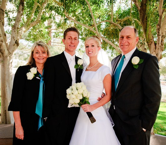 Does Father Of Bride Wear Same Tux As Groomsmen