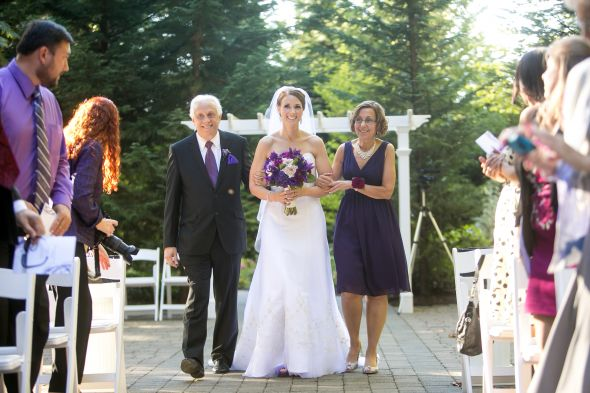 Bride's Side Of The Aisle: What Are The Etiquttes