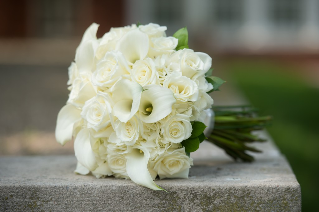 Bouquet Bridal: White Calla Lilies, Roses and Baby's ... |Lily Bridal Bouquets