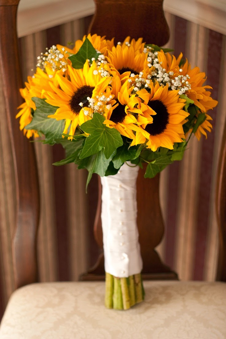 sunflower bouquets for weddings warmth and happiness 20 sunflower wedding bouquet 7823