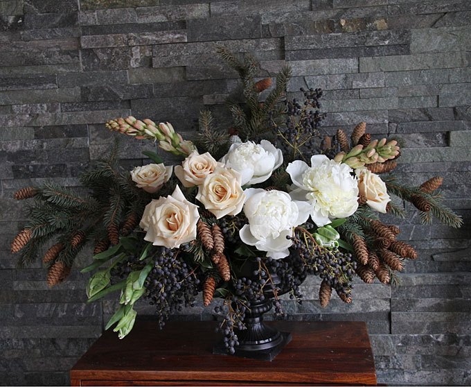 Best winter wedding flowers top trends for the cold