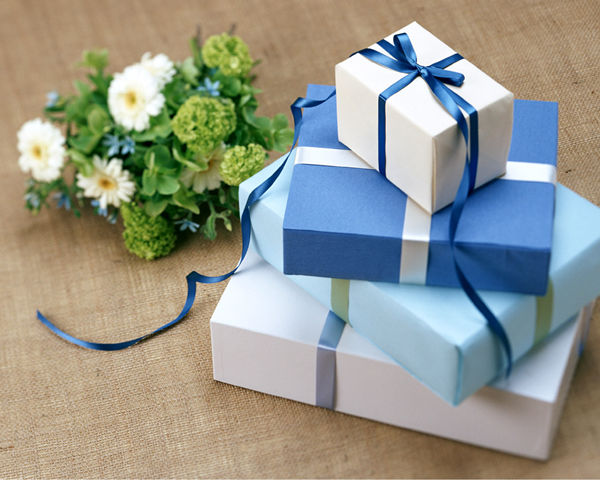 Wedding Gift Guidelines : Wedding Gift Etiquettes: How Much to Spend on a Wedding Gift ...