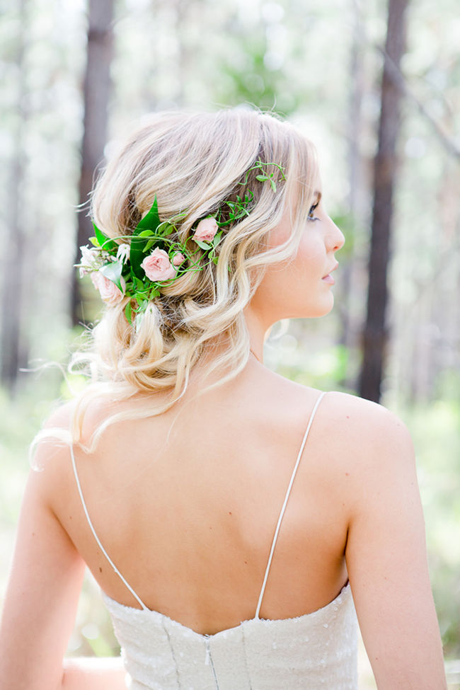 Peachy 20 Gorgeous Wedding Hairstyles With Flowers Everafterguide Short Hairstyles Gunalazisus
