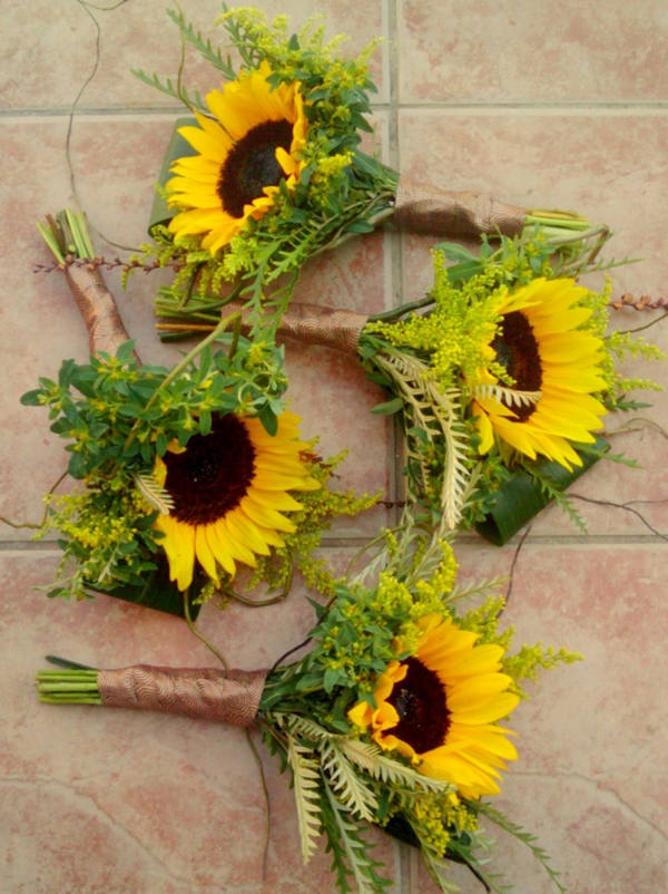 wedding bouquets sunflowers warmth and happiness 20 sunflower wedding bouquet 8536