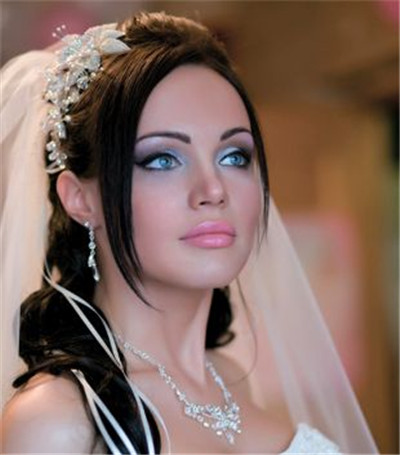 tips for wedding makeup for blue eyes everafterguide
