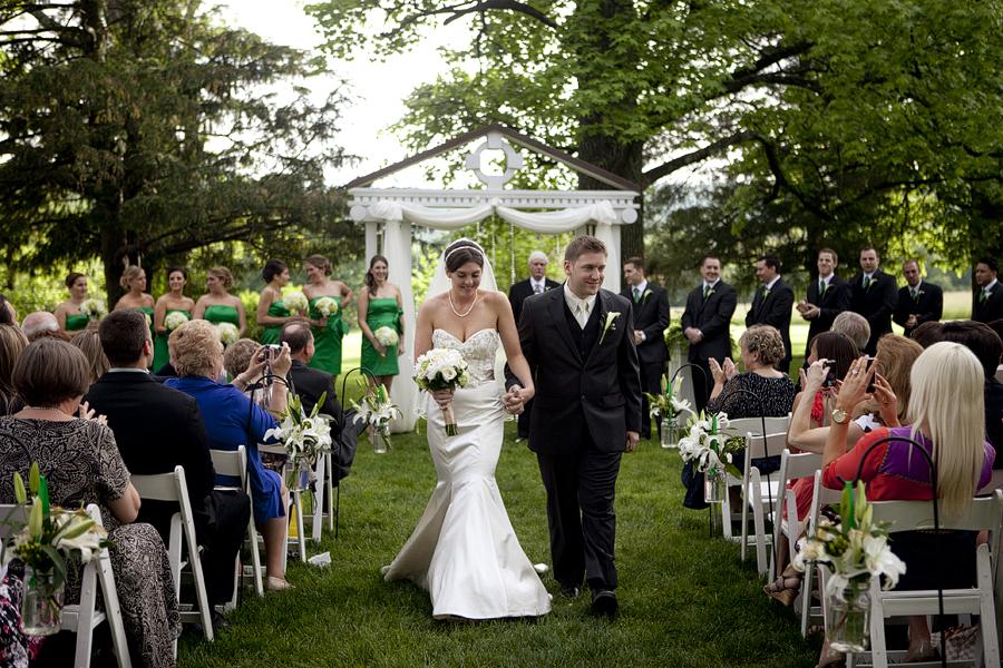 Ways On Saving Money On A Wedding