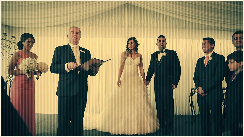 How Much Does Wedding Officiant Cost