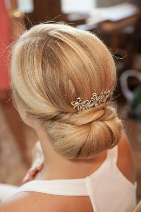 Amazing 30 Best Wedding Bun Hairstyles Everafterguide Hairstyles For Men Maxibearus