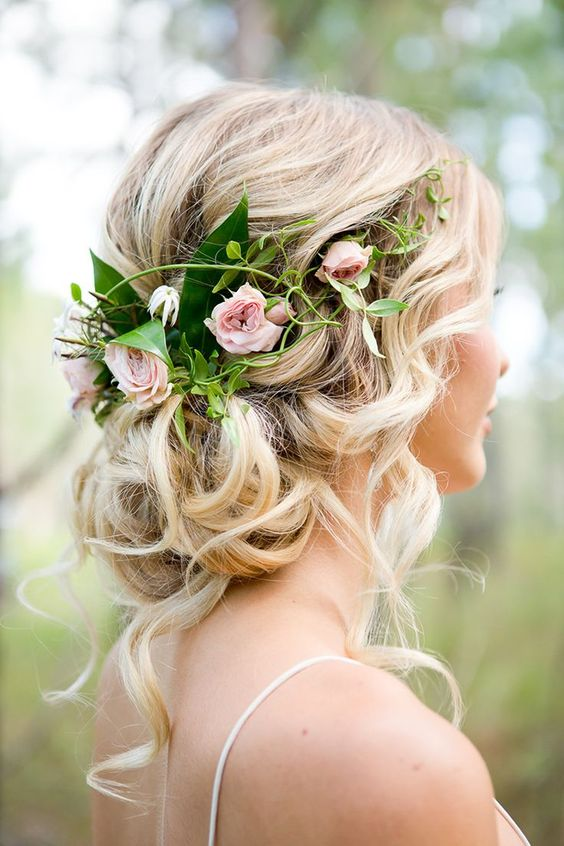 Pleasing 30 Best Wedding Bun Hairstyles Everafterguide Short Hairstyles Gunalazisus