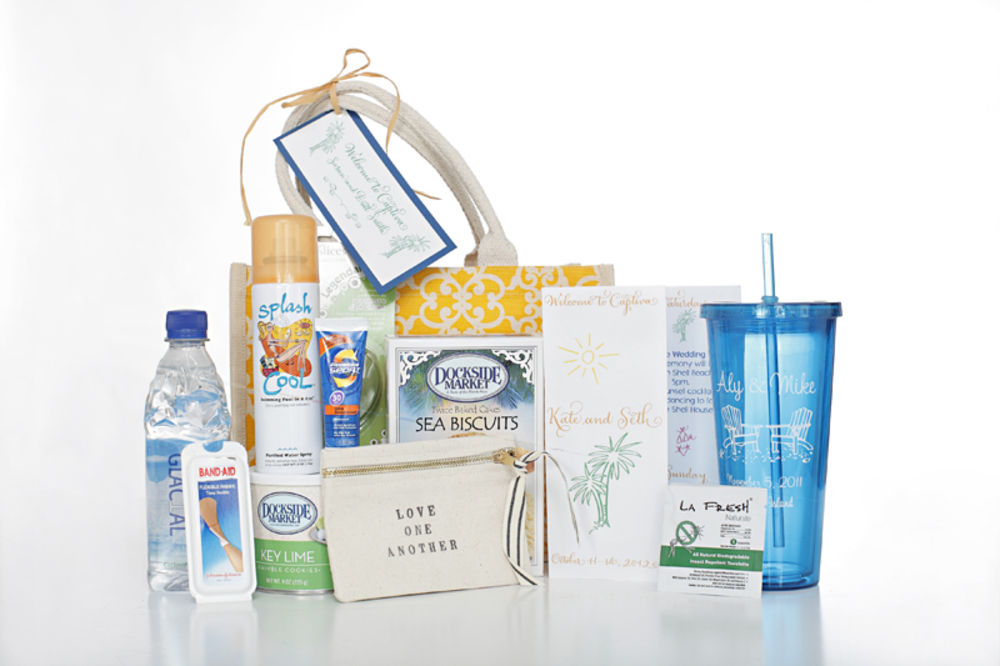 Wedding Gift Bags Beach Theme : 20 Great Wedding Favors for Destination Weddings - EverAfterGuide