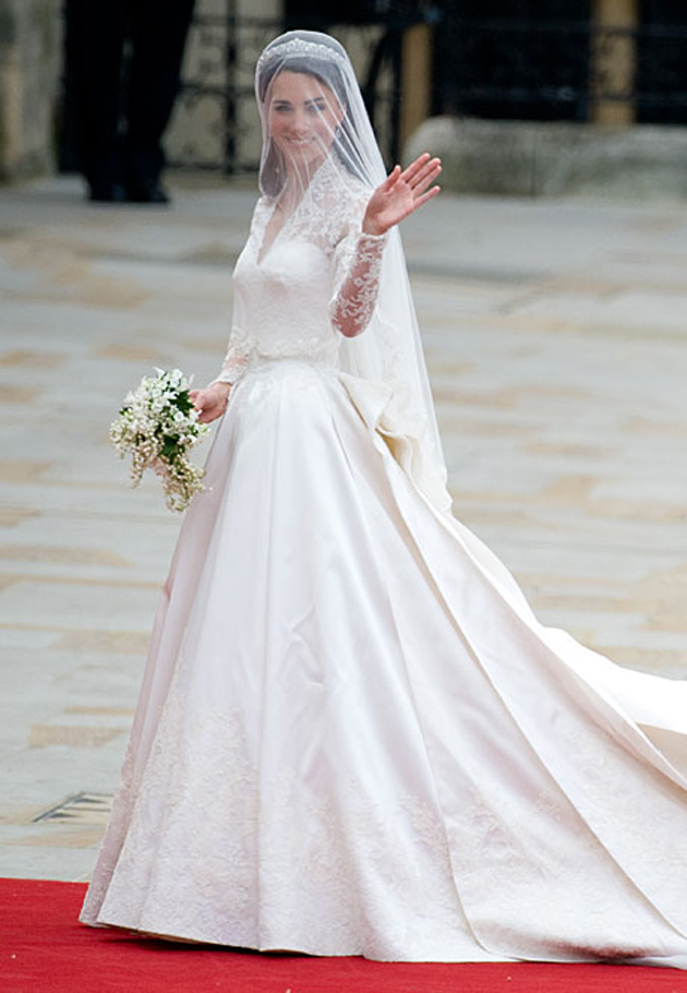 Kate middleton wedding dress and inspirations everafterguide for Princess catherine wedding dress